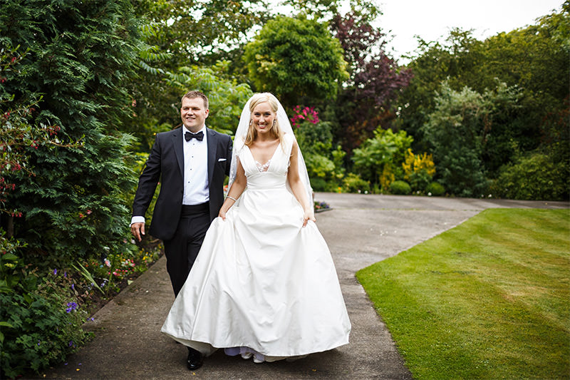 Cheshire Wedding Photographers - Larna and Stewart - Marquee Wedding Photography