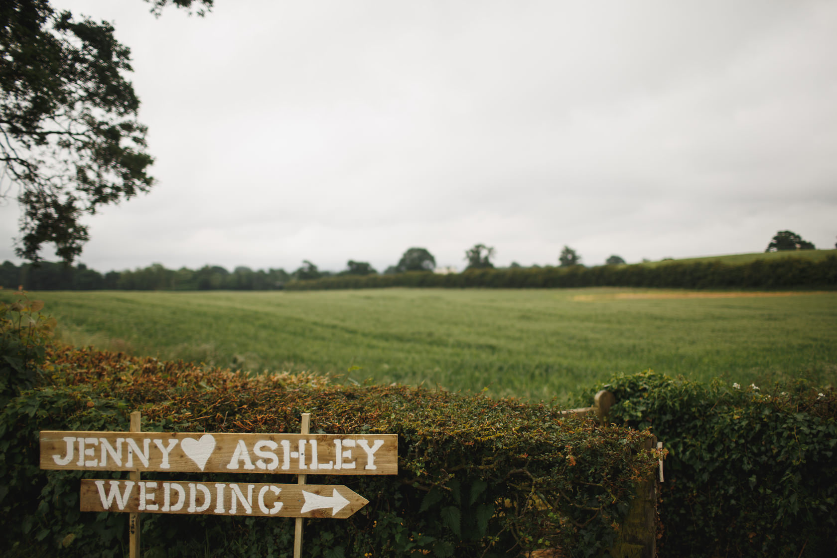 Sandhole Oak Barn Wedding Photography 11