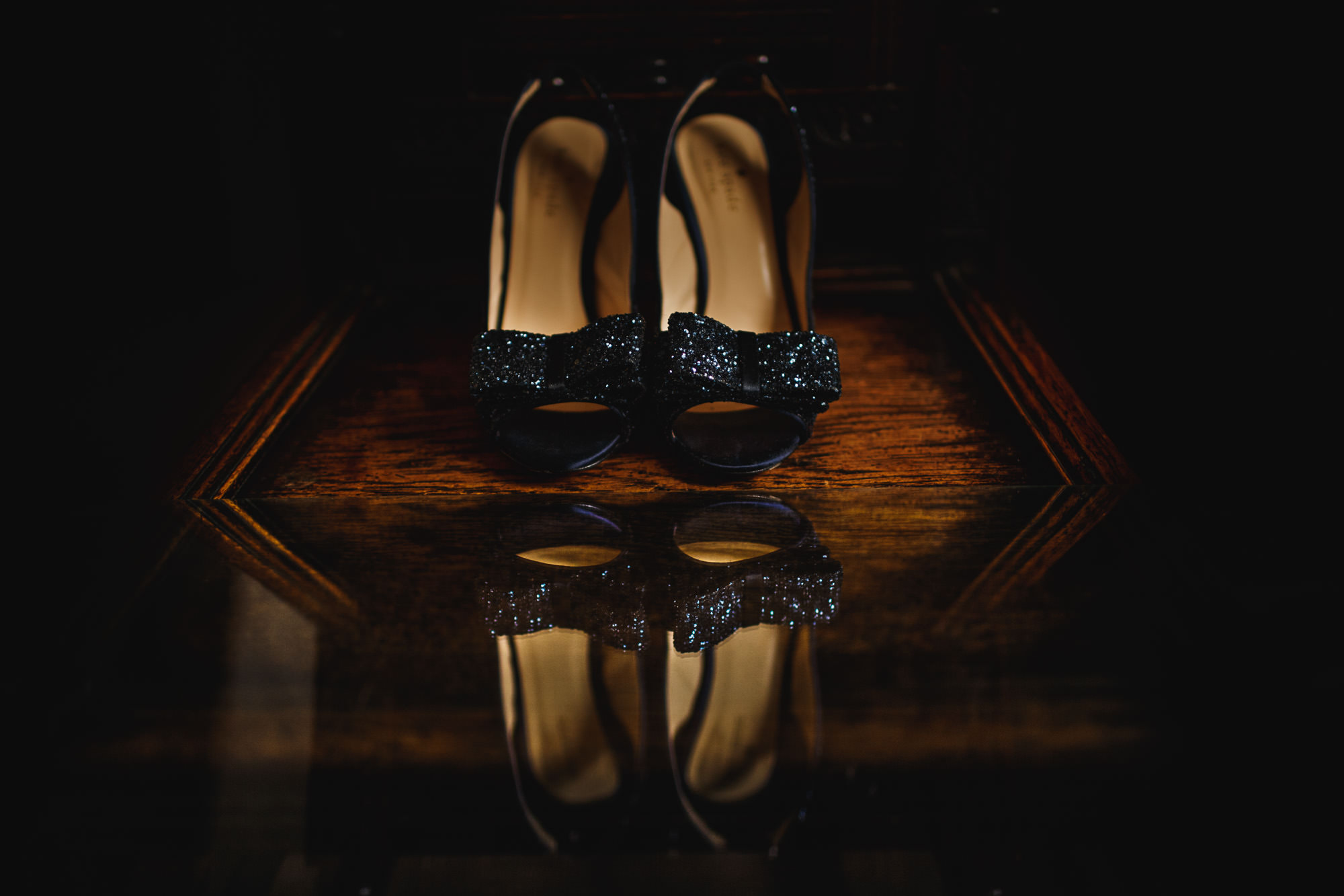 sarah-shoes-wedding-photography-details-01