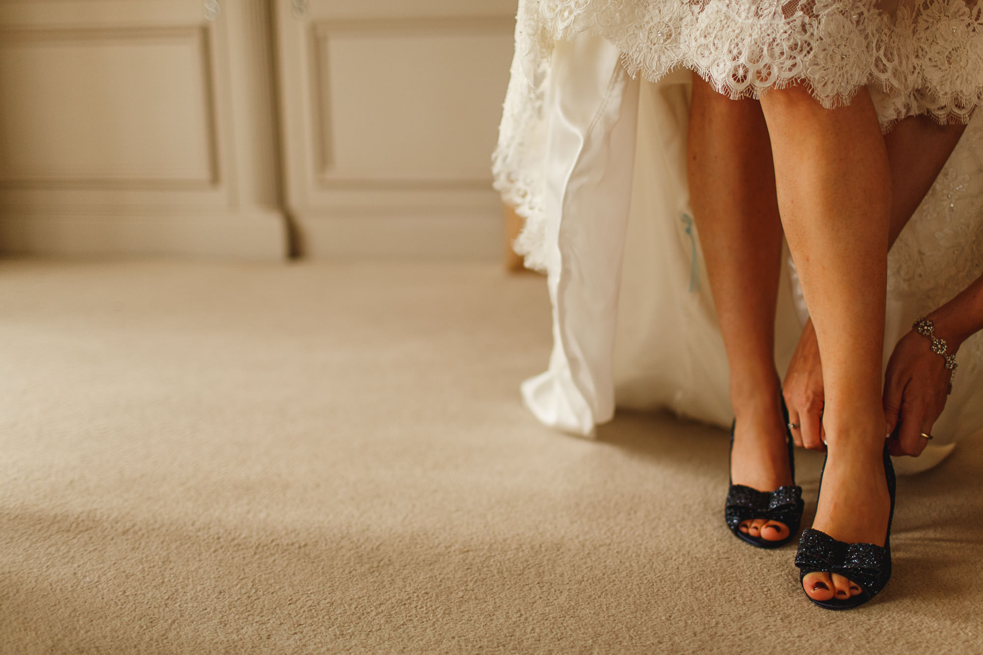 sarah-shoes-wedding-photography-details-07