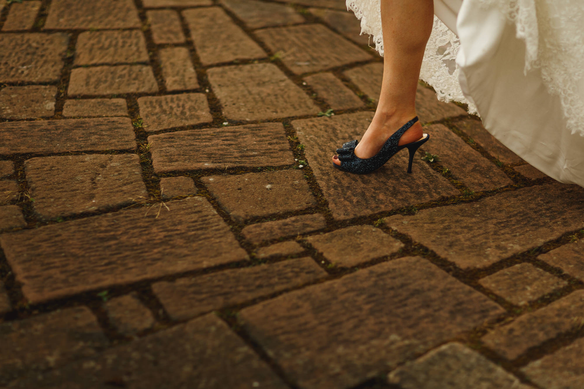 sarah-shoes-wedding-photography-details-08