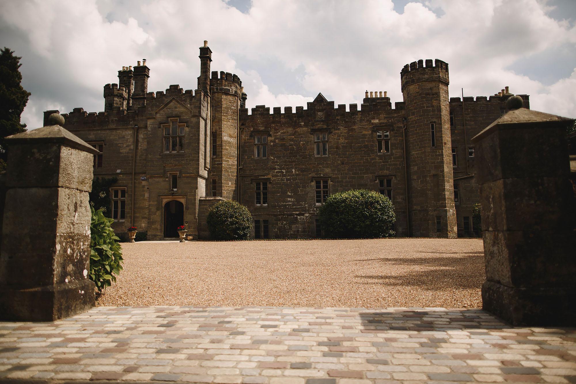 Wahurst castle wedding photography 07